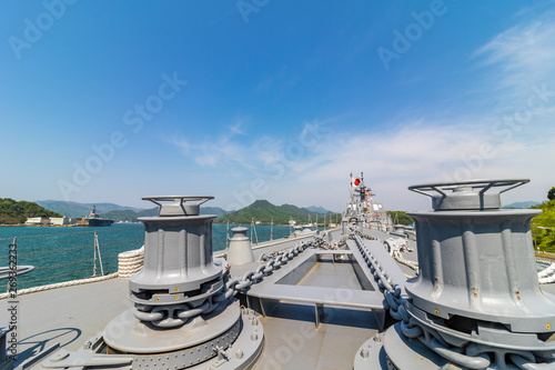фотография  The deck of the Japan Maritime Self-Defense Force destroyer Atago anchored in