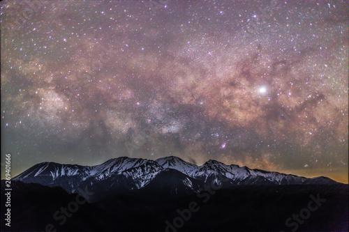 Foto auf AluDibond Lavendel 大平御嶽山展望台から御嶽山に昇る天の川