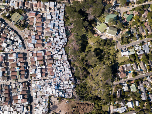 Foto Aerial overhead township and middle class houses in South Africa