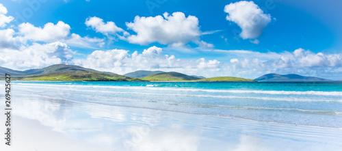 Fotografia, Obraz Isle of Harris landscape - beautiful endless sandy beach and turquoise ocean