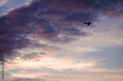Fototapeta cielo y avión obraz na płótnie