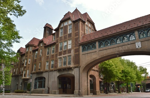 Foto Historic Architecture in Queens New York Forest Hills Neighborhood