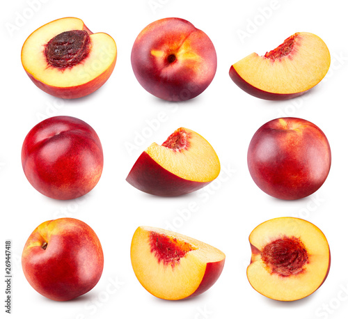 Photo  Fresh peach fruits isolated Clipping Path