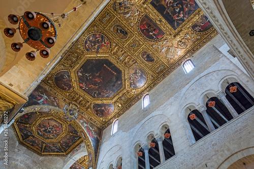 Obraz na plátně  Basilica of Saint Nicholas, Bari, interior