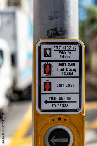 Vászonkép Push button to cross in New York CIty