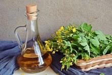 Medicinal Herb-celandine.Tincture For Treatment.
