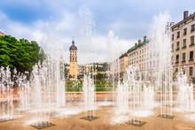 Fontaine Place Antonin Poncet à Lyon Dans Le Rhône En Auvergne-Rhône-Alpes, France