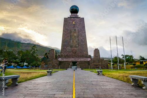 Fotomural mitad del mundo, ecuador