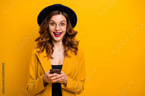 Photo  Close up photo beautiful she her lady open mouth arms hands telephone reader coo