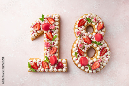 Photographie Number 18 naked honey cake for Birthday, pink background