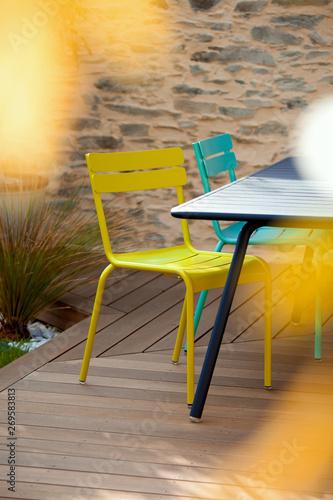 Terrasse et salon de jardin au soleil - Buy this stock photo ...