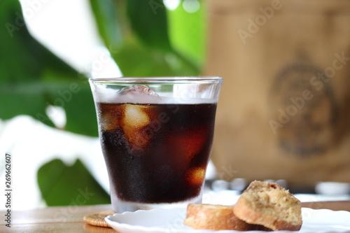 アイスコーヒーとラスク