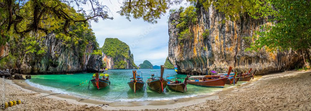 Fototapeta Blue water at  Lao Lading island, Krabi Province, Thailand