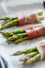 Baked Green Asparagus With Ham