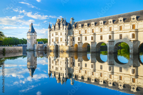 Tuinposter Wenen Chateau de Chenonceau is a french castle spanning the River Cher near Chenonceaux village, Loire valley in France