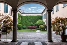 Crema, Lombardia, Via Matteott...
