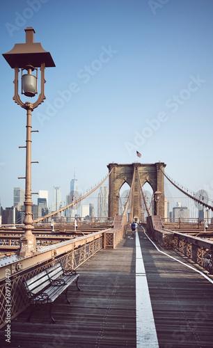 Foto auf AluDibond Brooklyn Bridge Brooklyn Bridge at sunrise, color toning applied, New York City, USA.