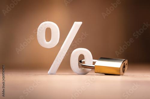 Fotomural Percentage Sign Locked With Keypad Lock