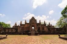 Prasat Muang Tam Historical Pa...