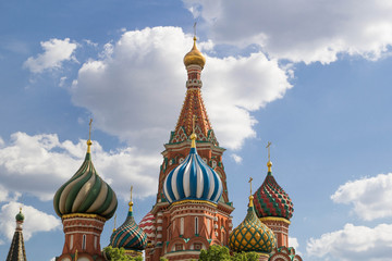Fototapeta na wymiar St. Basil's Cathedral on red square