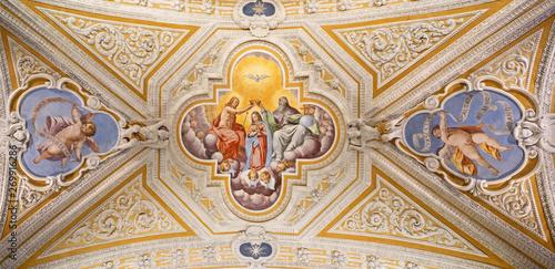 Valokuvatapetti OSSUCCIO, ITALY - MAY 8, 2015: The baroque fresco of Coronation of Virgin Mary in church Sacro Monte della Beata Vergine del Soccorso by Salvatore Pozzi di Puria  (1595 – 1681)