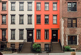 Fototapeta Nowy Jork - Brownstone facades & row houses  in an iconic neighborhood of Brooklyn Heights in New York City