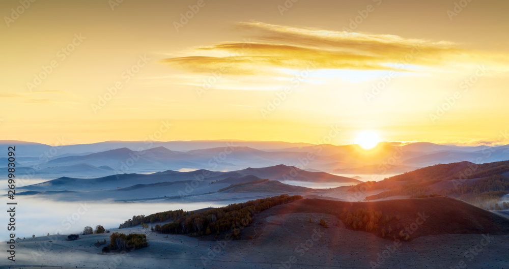 Fototapety, obrazy: early morning in a mountains