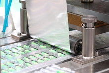 Medicine Capsules Packing Machine ;  Production Process ;health Industry Background