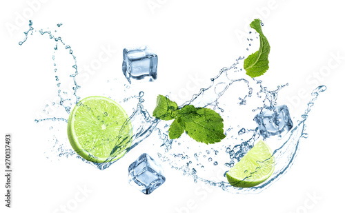 Fototapeta owoce w wodzie   slices-of-juicy-lime-fresh-mint-and-splashing-cold-water-on-white-background