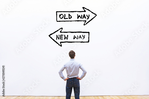 Foto  old way vs new way, improvement and change management business concept