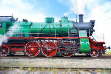 Retro Steam Train Starting Mov...