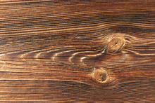 Holzbrett Mit Astlöchern - Wooden Board  With Knotholes