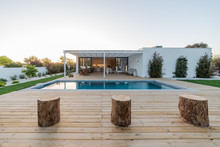 Modern Villa With Pool And Gar...