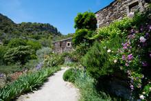 Wunderschönes Bergdorf Und Umgebung Von Naves In Der Ardèche