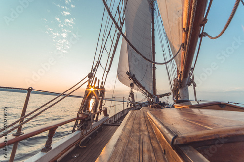 In de dag Schip Sail boat sunset