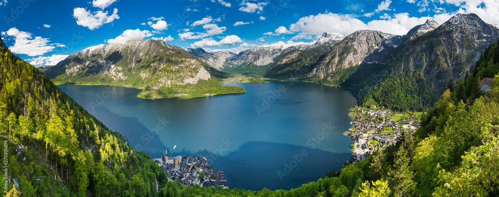 Fototapety, obrazy: Alps mountains above the famous Hallstatt village, Austria