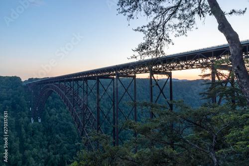 In de dag Brug Arch Bridge