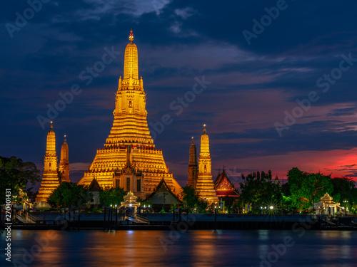 Cadres-photo bureau Bangkok Temple of Dawn - Wat Arun during sunset (Bangkok,Thailand )