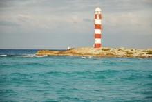Vista Del Faro En Playas Del Mar  Caribe Cancun Mexico