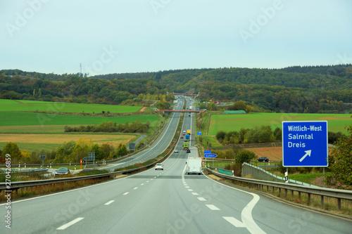 Cuadros en Lienzo Autobahn A60 in der Eifel nahe dem Wittlicher Kreuz
