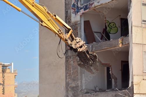 Demolición de un antiguo edificio de viviendas Canvas Print