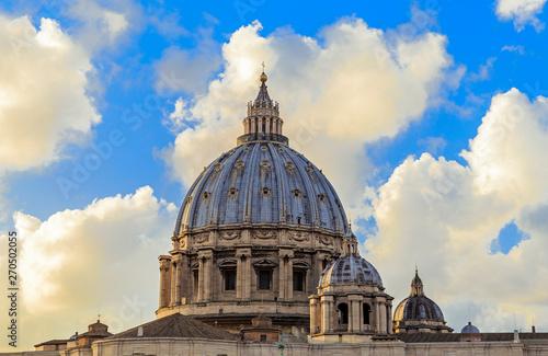 Stampa su Tela  St. Peter's Basilica in Rome, Italy