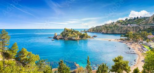 Poster de jardin Europe Méditérranéenne Panoramic view of Isola Bella small island near Taormina, Sicily, Italy.