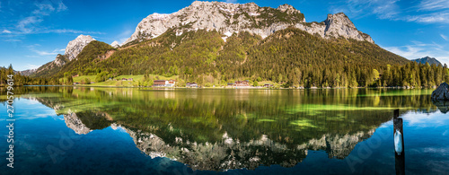 High resolution stitched panorama with reflections at the famous Hintersee near Fototapet