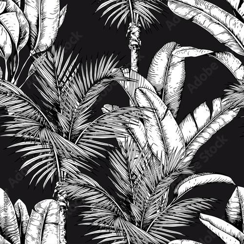 wzor-z-tropikalnymi-palmami-i-liscmi-bananow-czarno-bialy-wektor-recznie-rysowane-ilustracji