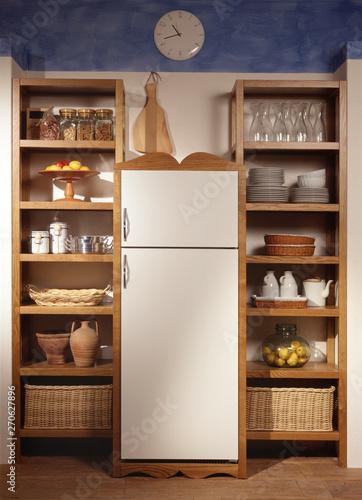 Dispensa da cucina – kaufen Sie dieses Foto und finden Sie ähnliche ...