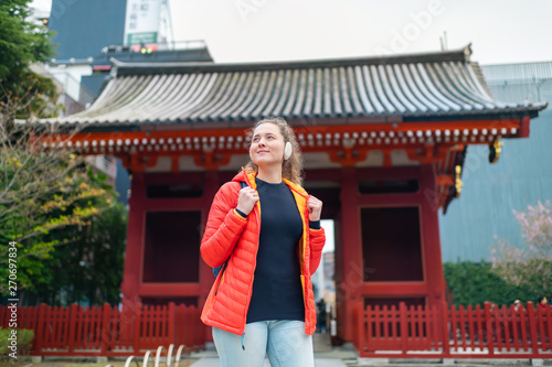 Tokyo, Japan Asakusa area with Sensoji temple shrine with red architecture and h Fototapet