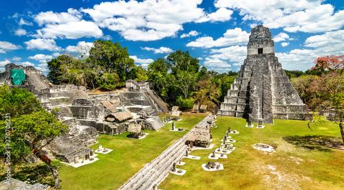 Temple of the Great Jaguar at Tikal in Guatemala Fotobehang