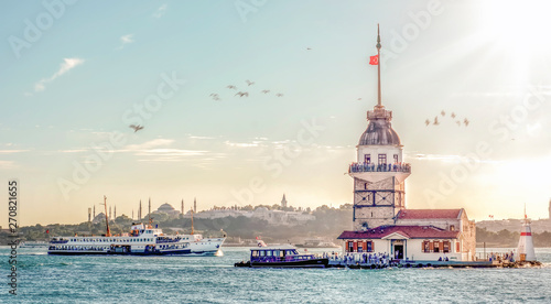 Canvas-taulu Maiden's Tower in istanbul, Turkey (KIZ KULESI - USKUDAR)