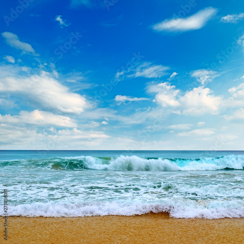 Poster Zee / Oceaan Beautiful sea and blue sky. Picturesque and gorgeous scene.